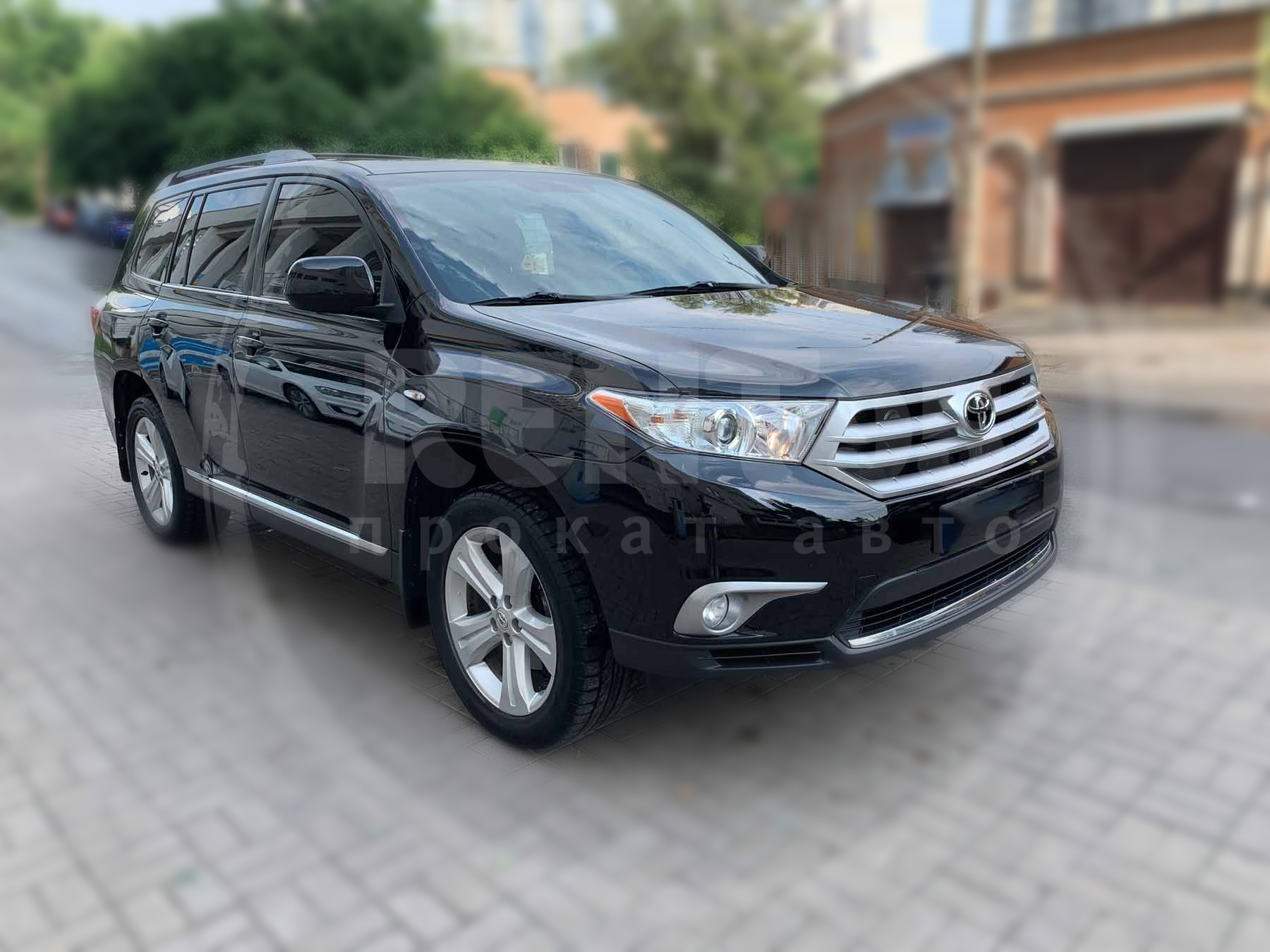 Rent Toyota Highlander 2013