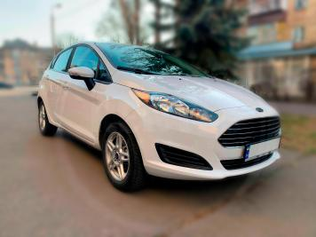 Rent Ford Fiesta 2017