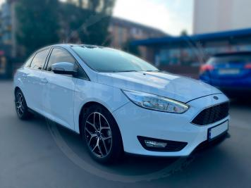Rent Ford Focus SEL